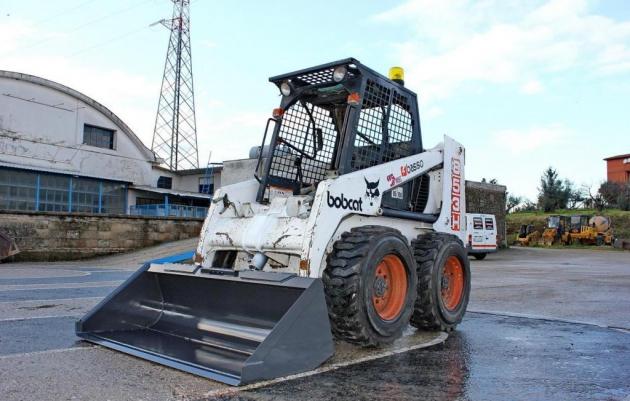 Skid steer loader Bobcat 853 H